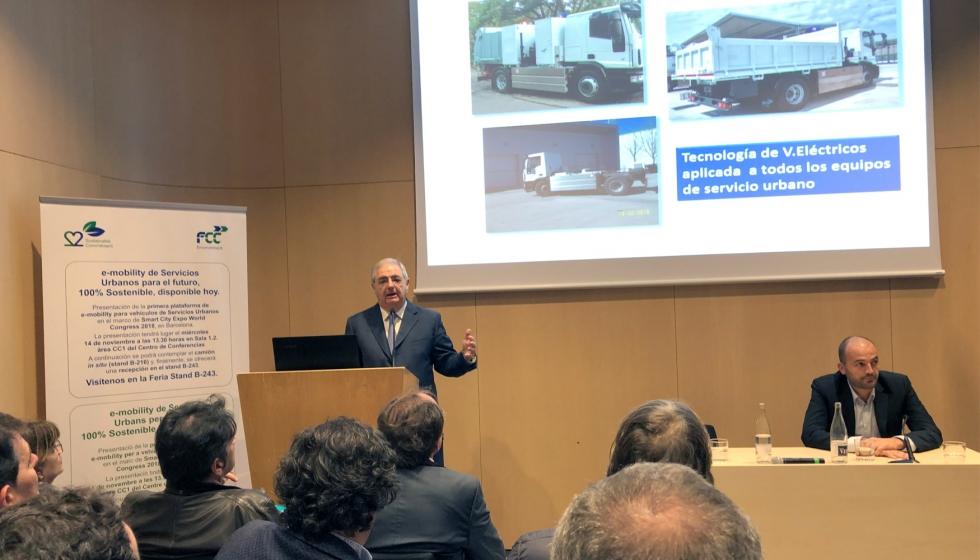 D. Alfonso García García, Director de los Servicios Técnicos de FCC, presenta la plataforma de movilidad eléctrica para vehículos de  servicios urbanos.
