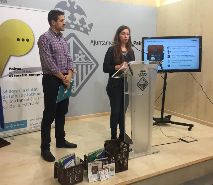 Dña. Neus Truyol, presidenta de EMAYA, presenta la Recogida Selectiva de materia orgánica en Palma.